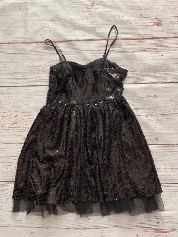 Czarne sukienka z cekinami reserved S...