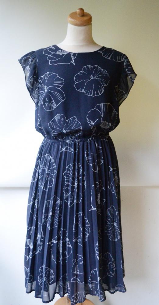 Sukienka Lindex Kwiaty XL 42 Granatowa Plisowana Plisa