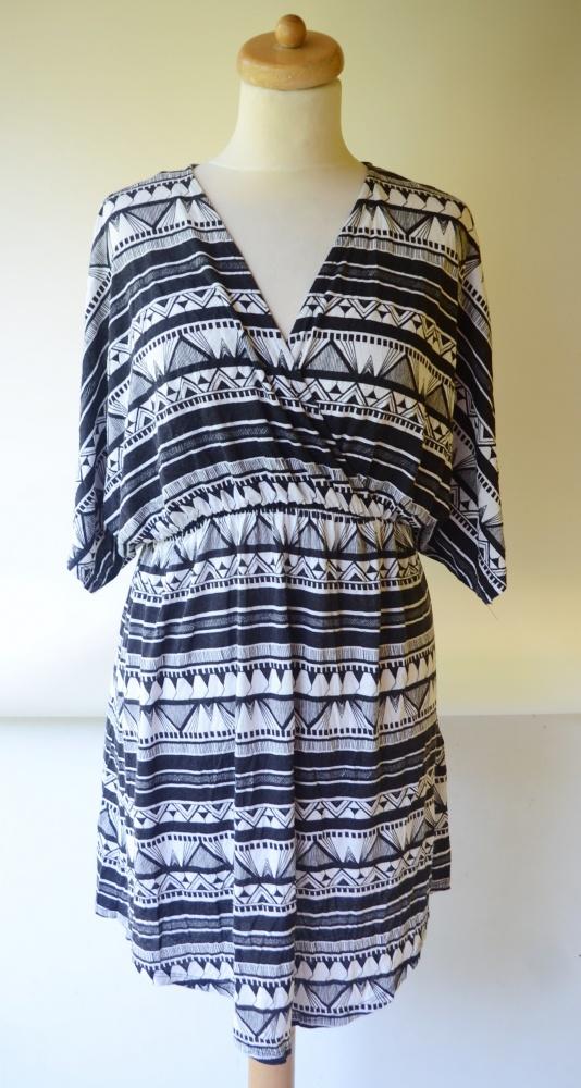 Sukienka Kopertowa Do Karmienia Aztec M 38 Gina Tricot