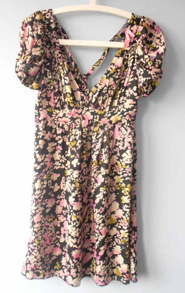 Suknie i sukienki Lipsy asos sukienka floral kwiaty zwiewna satynowa