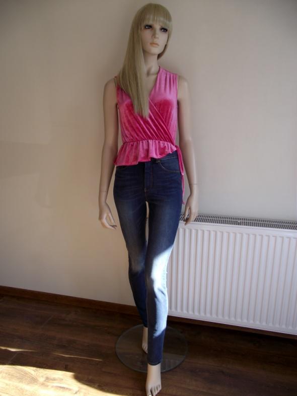 Spodnie jeansy damskie rurki z wysokim stanem Funded by KappAhl...