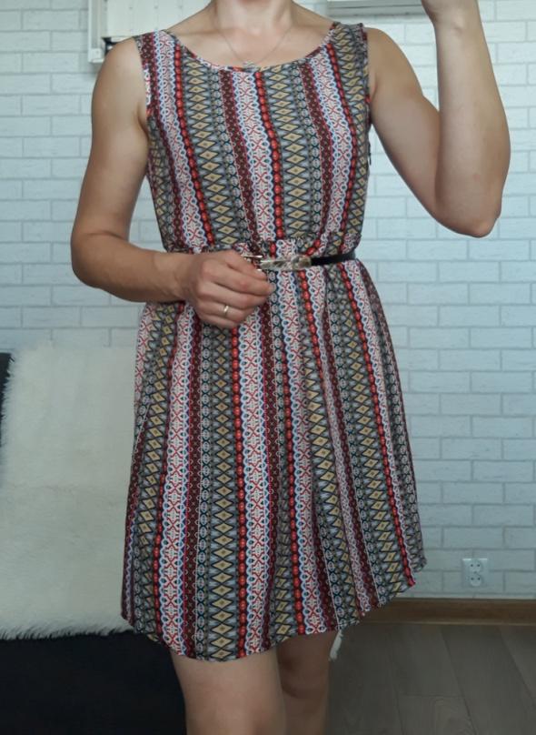 Sukienka wzór boohoo