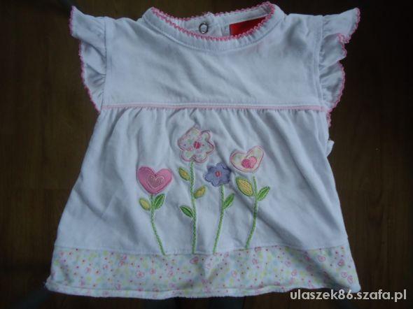 tshirt z kwiatuszkami 62