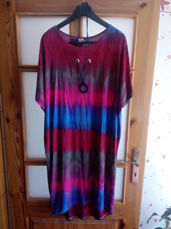 Sukienka dyed z naszyjnikiem