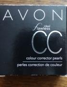 Puder wyrównujący koloryt Avon...