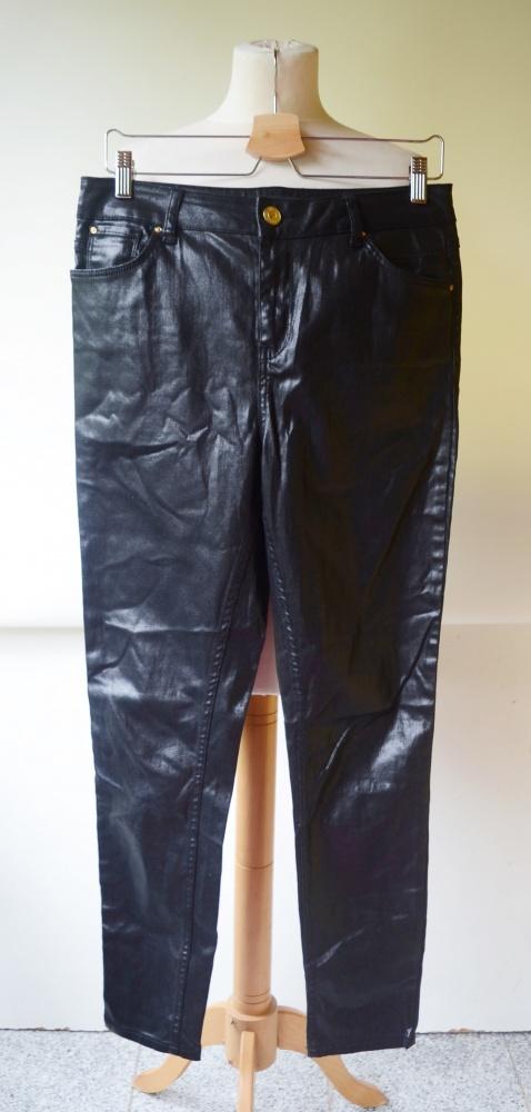 Spodnie Czarne Woskowane River Island XL 42 Rurki Czerń...