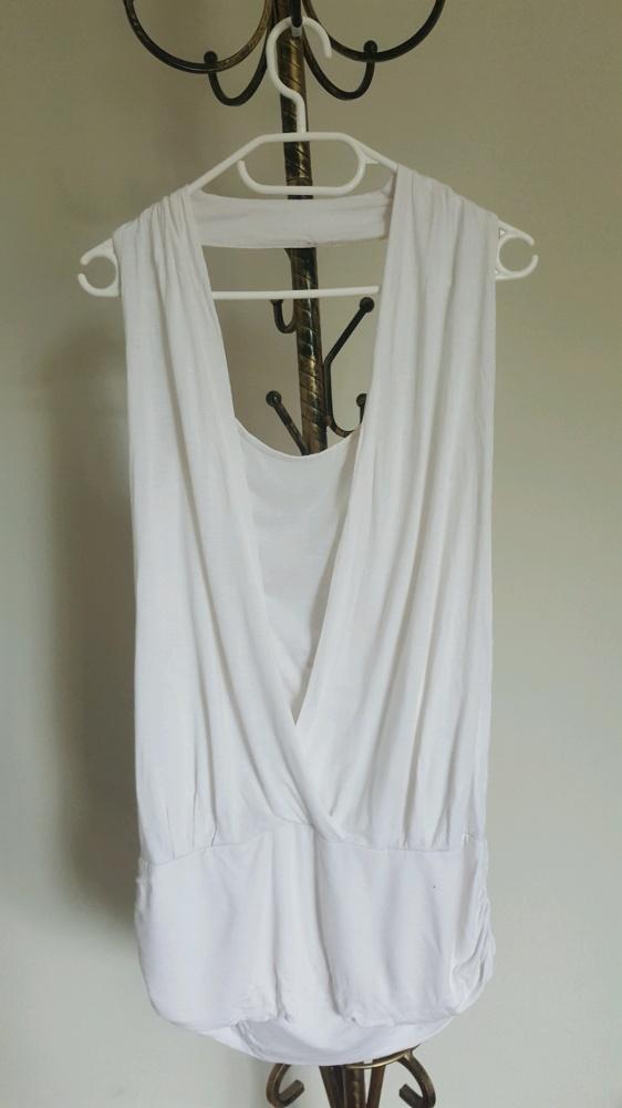 Letnia biała bluzka
