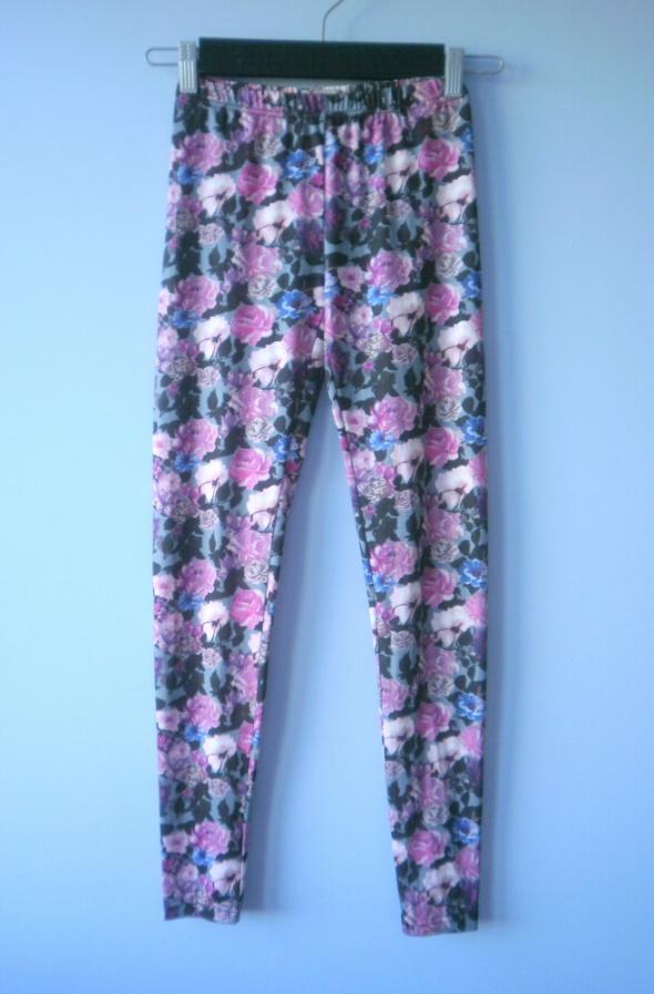 Cropp legginsy kwiaty floral wzory pudrowe XS S...