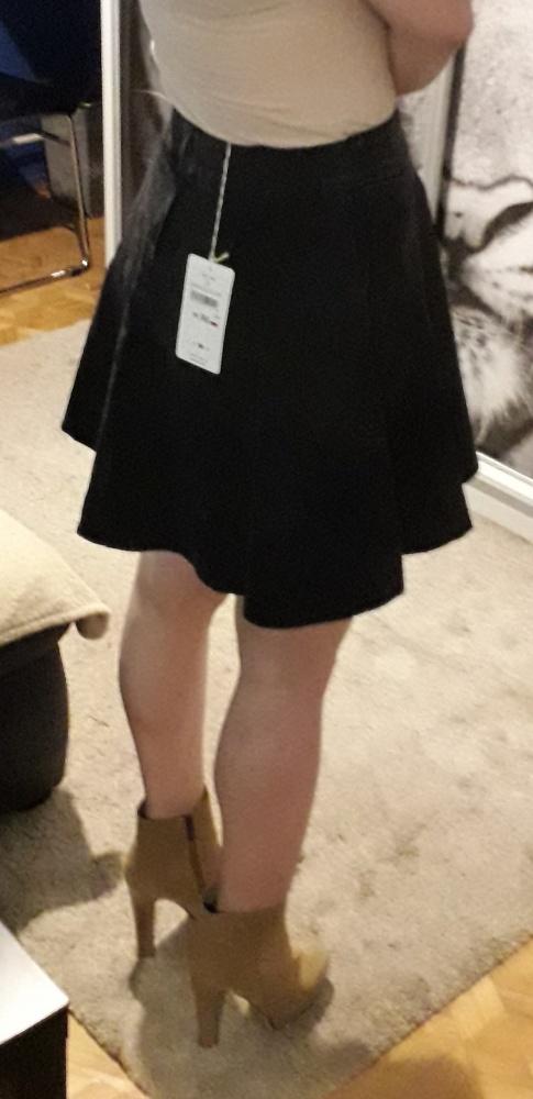 Czarna spódniczka z koła House S...