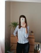 Biała bluzka w niebieskie pionowe pasy z wiązaniem z tyłu sinsa...