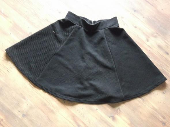 Rozkloszowana spódniczka rozmiar 34 HM