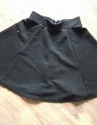 Rozkloszowana spódniczka rozmiar 34 HM...