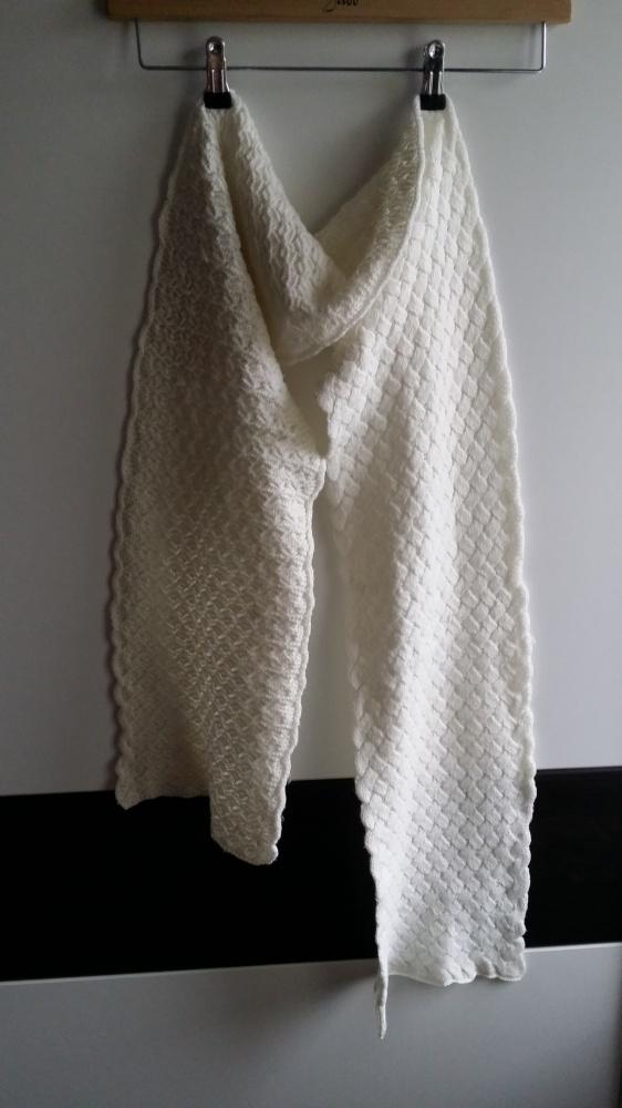 Biały szalik