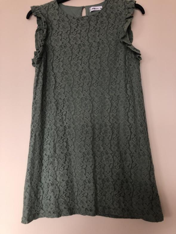 Rozkloszowana sukienka khaki...