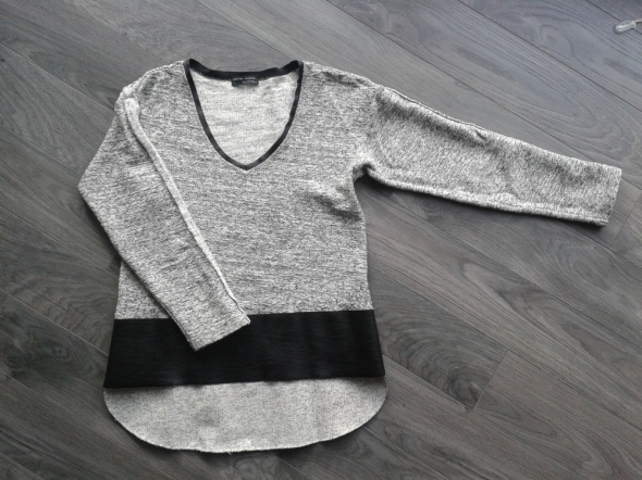 Asymetryczna bluza melange i skóra