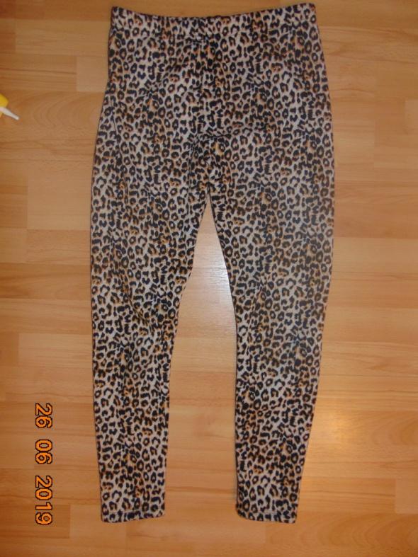 Pluszowe legginsy w panterkę