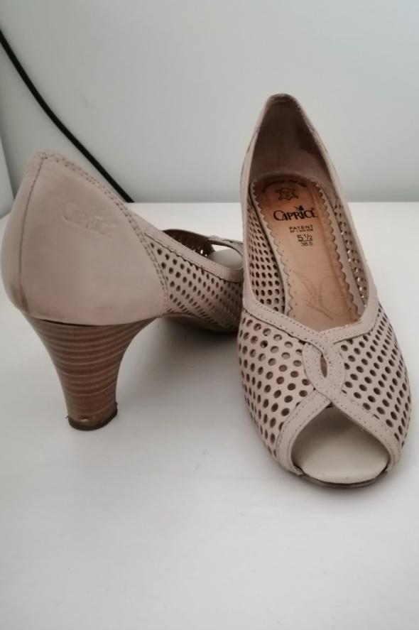 Kremowe ażurkowe letnie buty na obcasie...