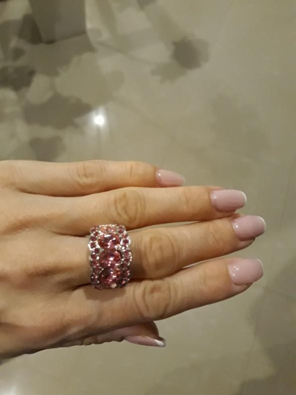 Regulowany pierścionek kamienie różowy