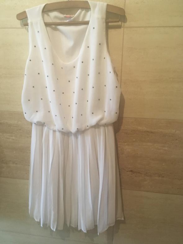 Biała sukienka boho tiulowa plisowana zdobienie 36 S...