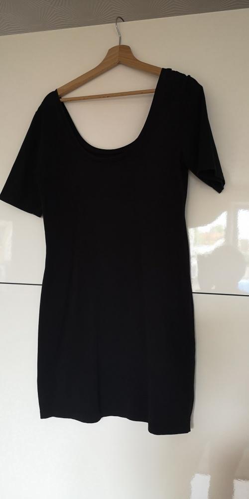 Sukienka suknia mała czarna M 42 Ginatricot...