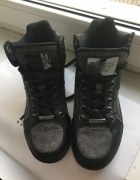Buty sneakersy Guess 39...