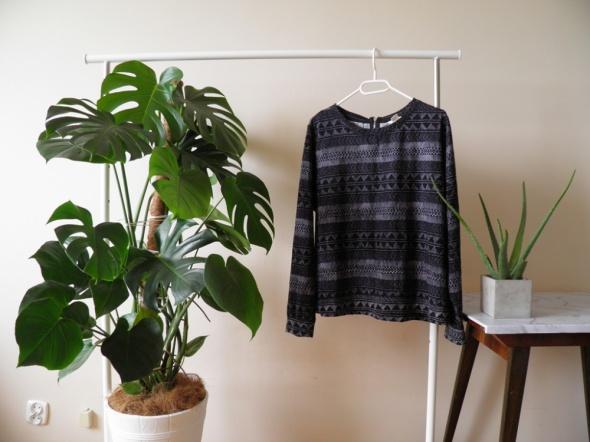 Czarna bluza w azteckie wzory H&M