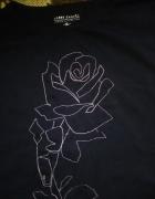 granatowy tshirt carry z różą...