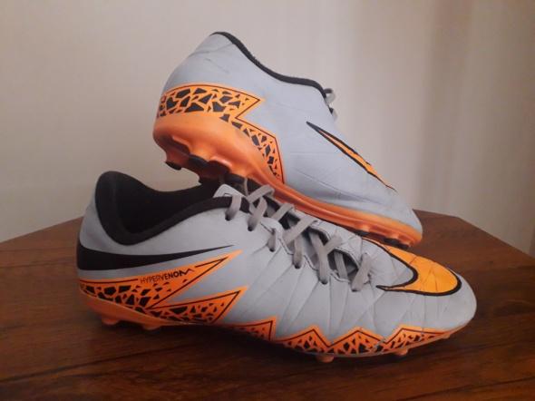 Nike Hypervenom korki R 385...