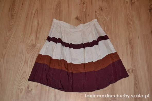 Spódnice spodnica rozkloszowana
