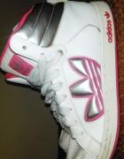 Buty biało różowe za kostkę Adidas...