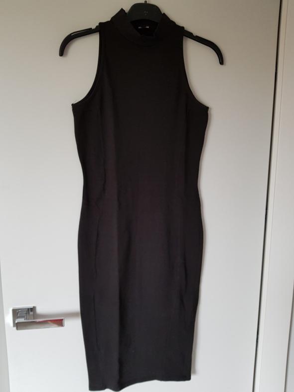 Czarna obcisła sukienka Pimpkie...