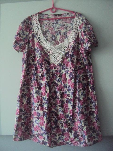 bawełnina sukienka w kwiatuszki...