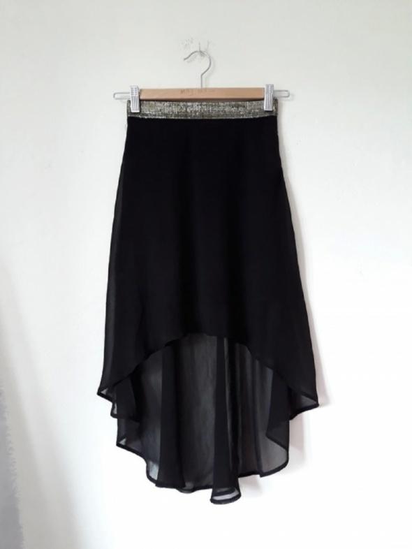 Czarna spodnica...