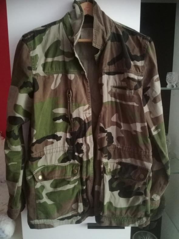 Odzież wierzchnia Kurtka bluza moro pull&bear L 40