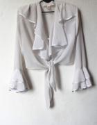 biała bluzka z żabotem koszula z falbanami...
