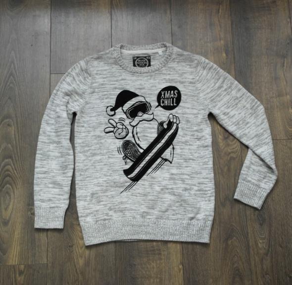 Ładny sweterek dla chłopca 146...