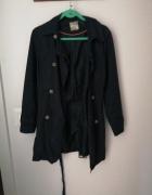 Granatowy płaszcz...