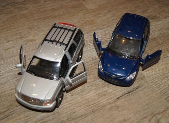 Autka samochody zestaw srebrny granatowy...