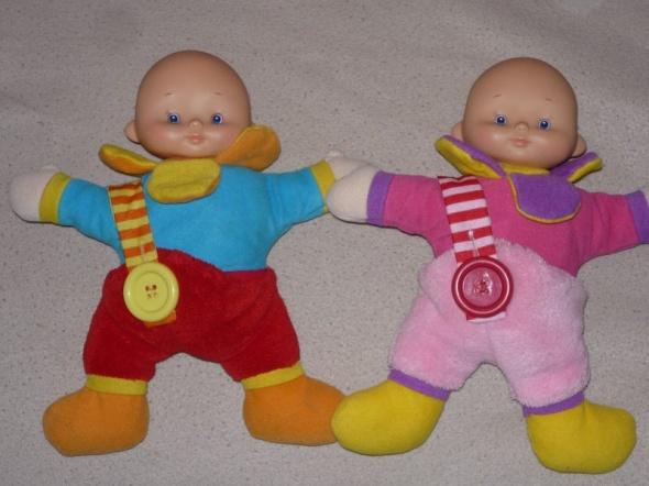 dwie laleczki BLIZNIAKI jako pierwsze zabawki...