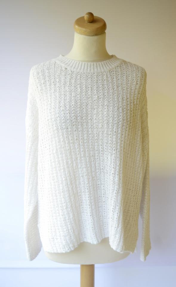 Sweter Biały Gina Tricot M 38 Oversize Biel Ażurowy...