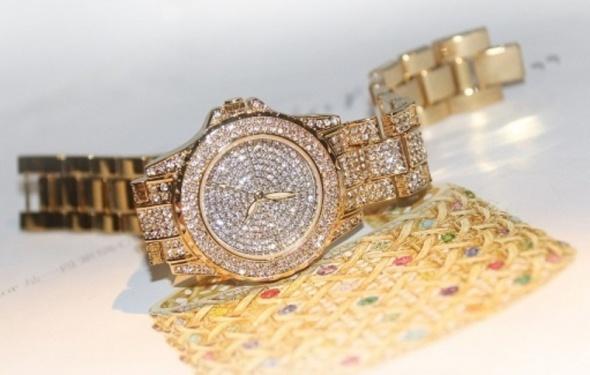 Zegarek z cyrkoniami jak Swarovski a la Kors M HIT