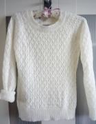 Mohito Kremowy Sweterek XS...