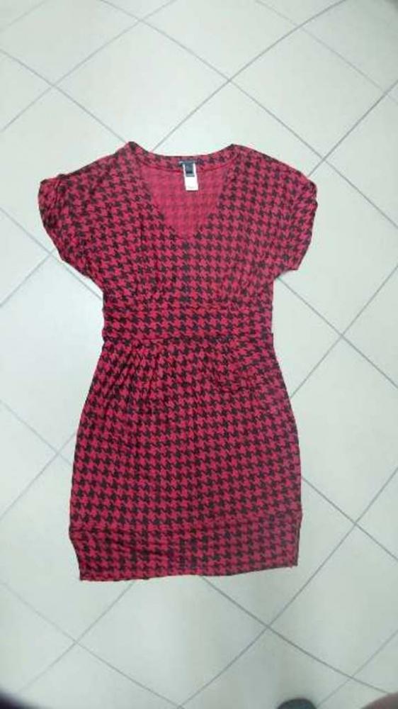 Sukienka ołówkowa Mango czerwona pepitka 40 L