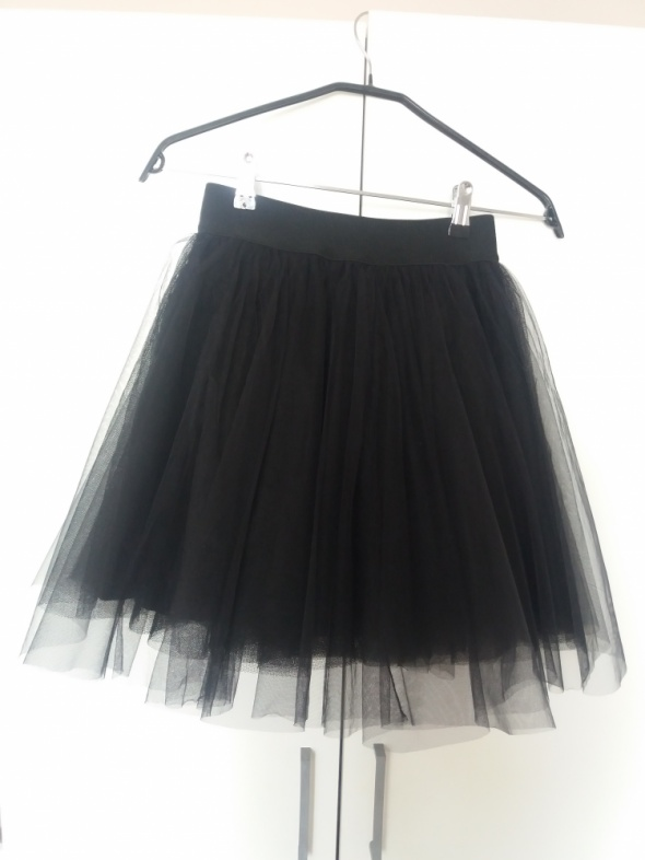 Piękna rozkloszowana czarna tiulowa spódnica nowa XSS...