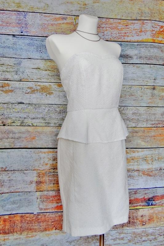 Sukienka z baskinką Reserved krótka 38M...