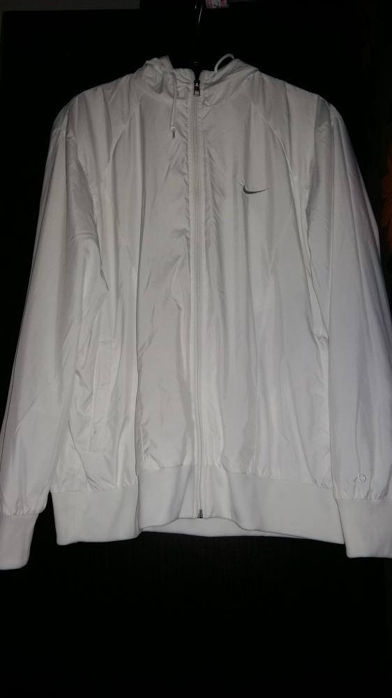 biała bluza nike...