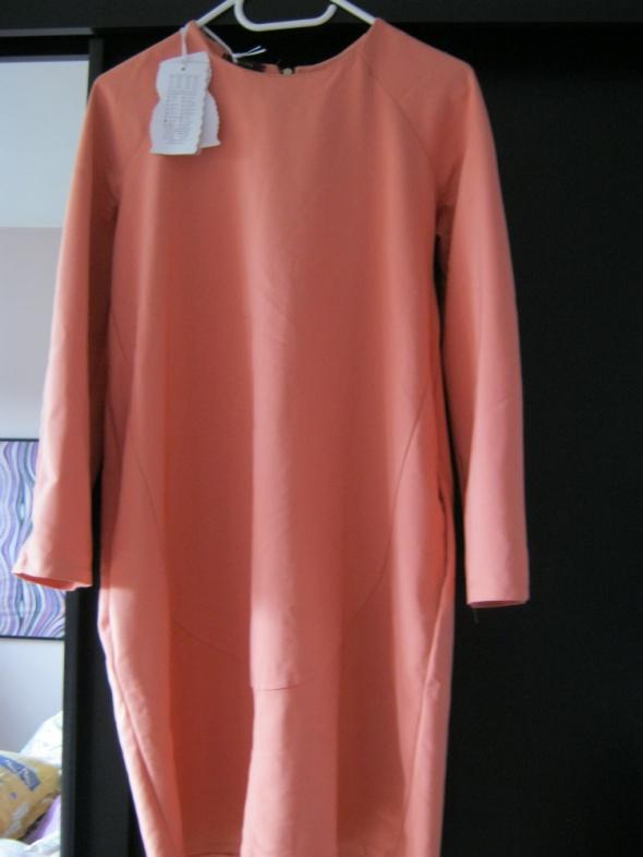Łososiowa sukienka piupiu