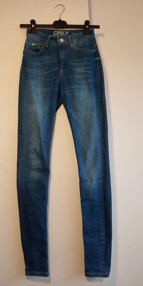 Spodnie Długie spodnie jeansy rurki ONLY
