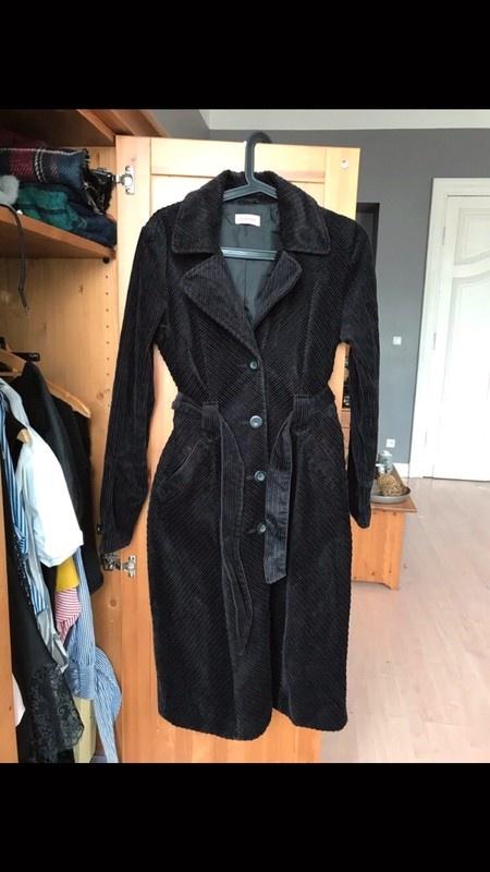 Czarny sztruksowy długi płaszcz wiązany 34 XS sztruks boho trencz