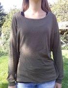 Cieńki oliwkowy sweterek...